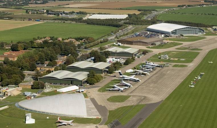 1 Hr Private Sightseeing Flight For 2 in Midlands - LGE Image 3