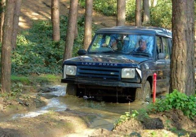 4x4 Off Road Driving Day Experience  West Malling, Kent Image 4