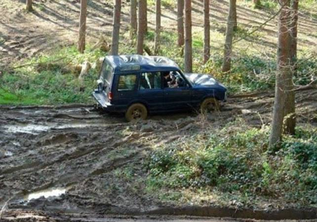 4x4 Off Road Driving Day Experience  West Malling, Kent Image 5