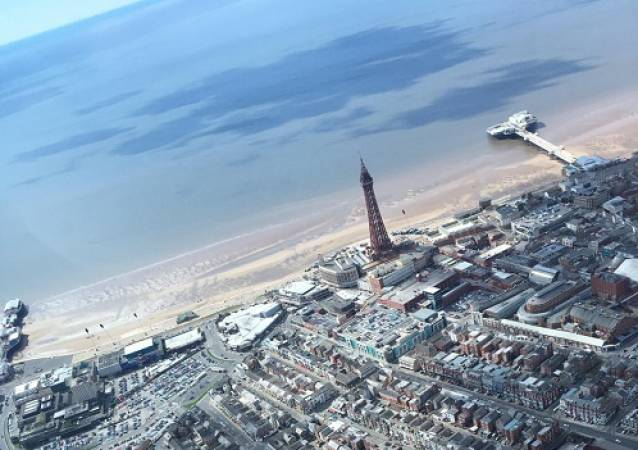 30 min Sightseeing Helicopter Tour Blackpool - LGE Image 1