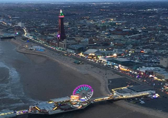 30 min Sightseeing Helicopter Tour Blackpool - LGE Image 3