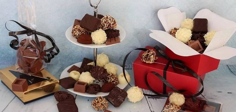 Chocolate Box Class in Essex for Over 14 Years + Image 1