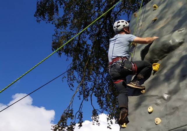Climbing and Abseiling Stirlingshire - Leading OUtdoor Activity for 8 Years+ Image 2