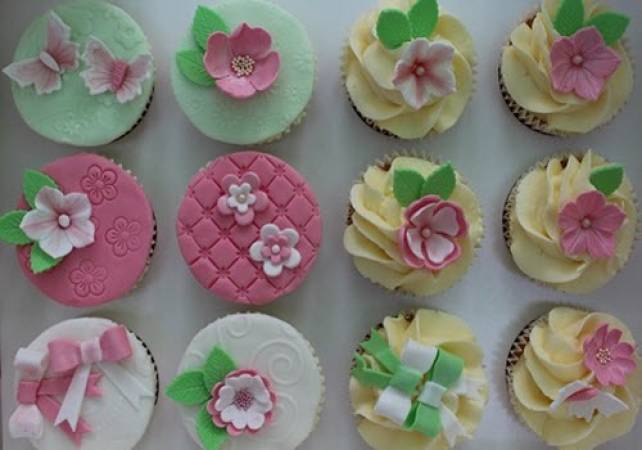 Cupcake Baking and Decorating Essex for Over 14 Years + Image 1