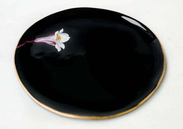 Fine porcelain painting workshop in London hand paint your own plate Image 6