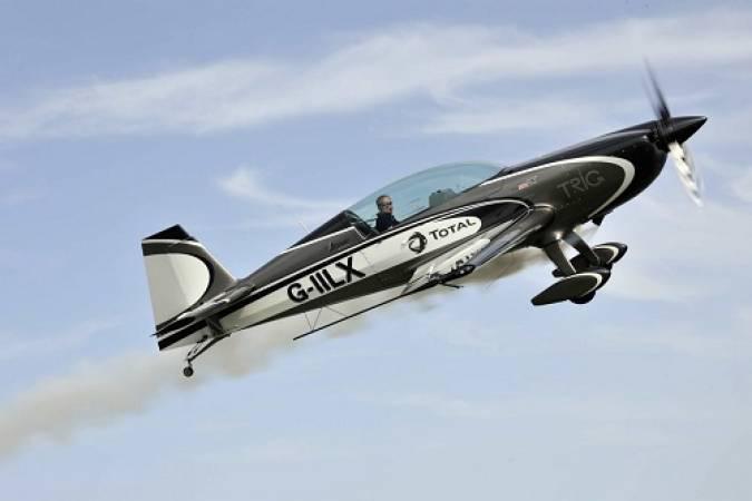 Aerobatics Flight Experience around London - LGE Image 1