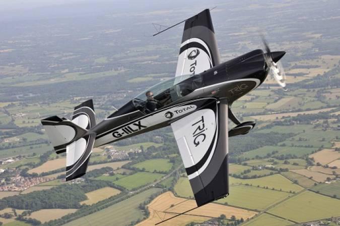 Aerobatics Flight Experience around London - LGE Image 2