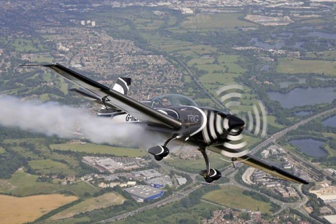 Aerobatics Flight Experience around London - LGE Image 3
