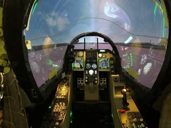 Fighter Pilot experience flight simulator Falcon F-16 Yorkshire Image 5