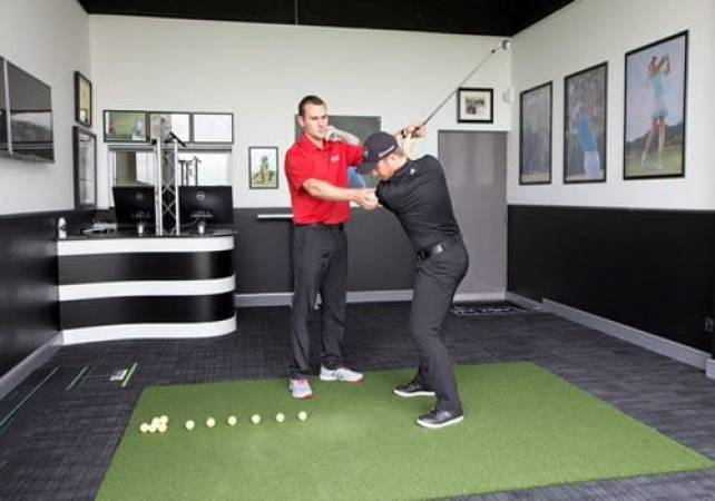 30 Minute Golf Lesson with a PGA Pro  at 140 UK Locations Image 1