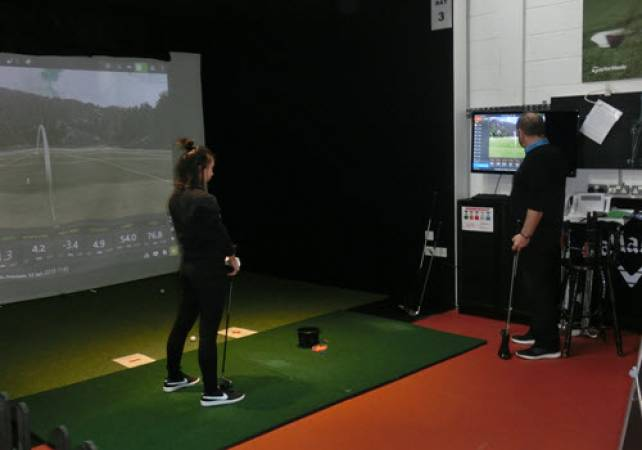 Golf Gifts for her: 60 minute Golf lesson at St Andrews Image 1