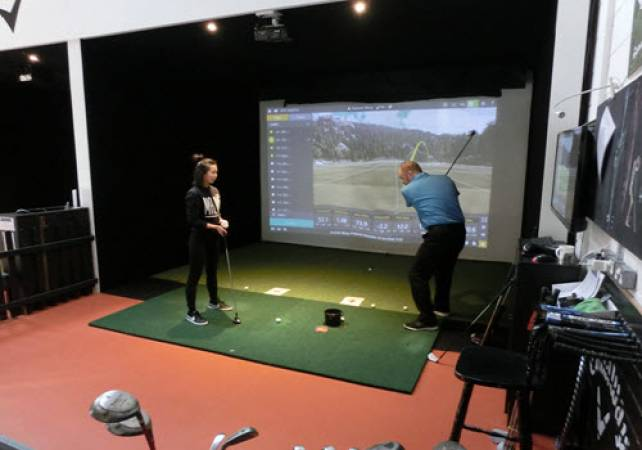 Golf Gifts for her: 60 minute Golf lesson at St Andrews Image 6
