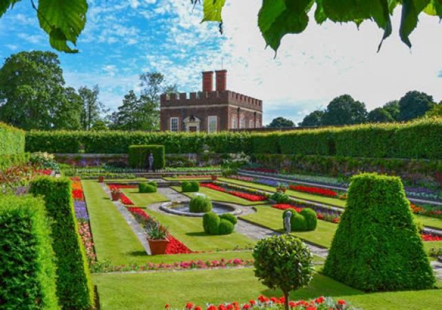 London Royal Gardens Private Tour Kew Gardens & Hampton Court Image 1