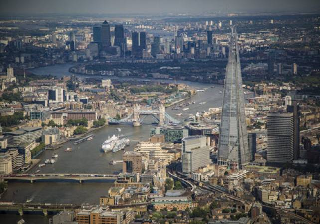 30 min Sightseeing Helicopter Tour London - LGE Image 6
