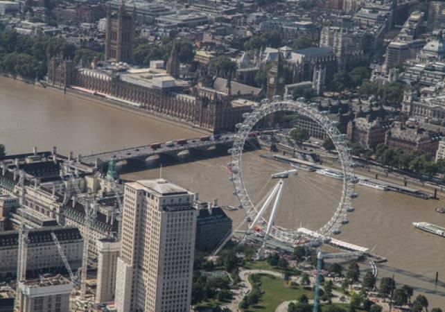 Aerobatics Flight Experience around London - LGE Image 6