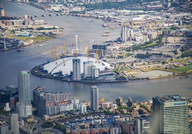 Aerobatics Flight Experience around London - LGE Image 5