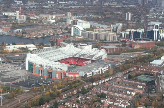 30 min Sightseeing Helicopter Tour Manchester - LGE Image 3