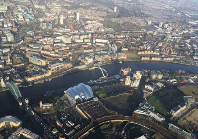 30 min Private Helicopter Tour Newcastle and Sunderland Image 2
