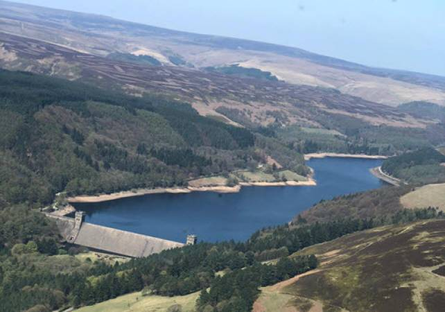 30 min Dambusters Sightseeing Helicopter Tour - LGE Image 3