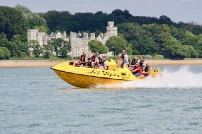 Wet & Wild Boating speed boat experiences Southampton Image 2