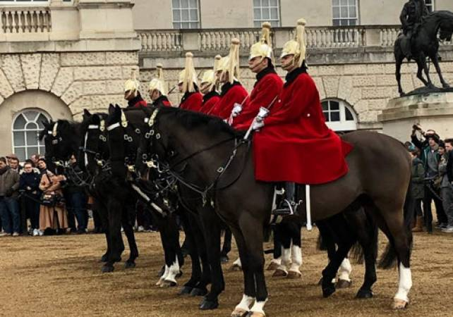 London Private Chauffeur Guided Tour for all the Family Image 5