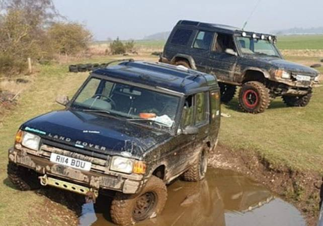 Full Day 4x4 Off Road Driving Nottiingham Upto 3 people in the price. Image 3