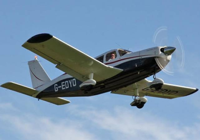 Piper PA28 Cherokee Flight Simulator Newcastle, Suitable All Ages Image 3