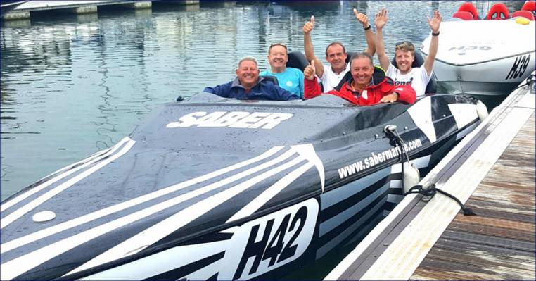 Speedboat Racing on the Solent Southampton in Powerboats for 18yrs+ Image 4