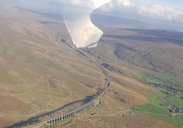 1 Hr Private Sightseeing Flight of Yorkshire - Best Way to see the sights Image 1