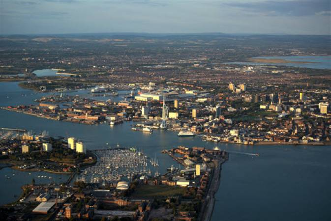 1 Hr Private Sightseeing Flight For 2 in South Coast - LGE Image 1