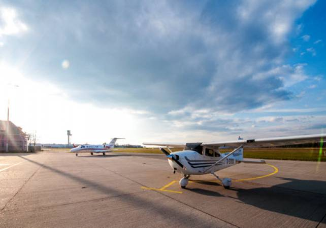 1 Hr Private Sightseeing Flight of London  |Best Way to Experience London Image 2