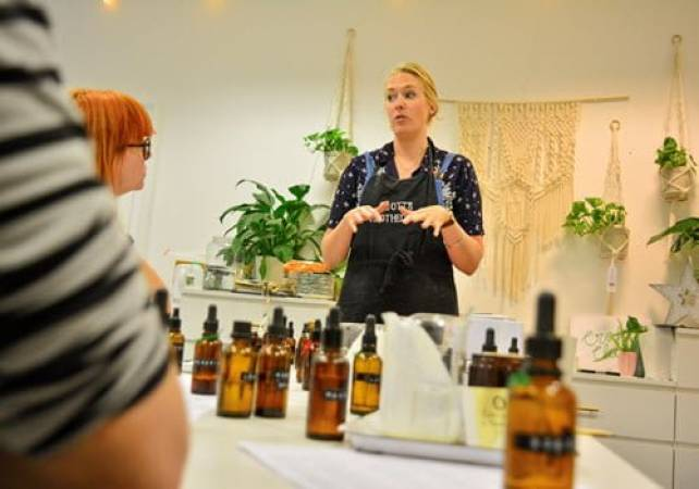 luxury pampering natural beauty workshop in London Image 3