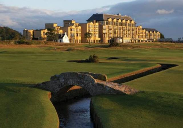 Golf Gifts For Her 1 Hour Lesson & 18 Holes with a Pro @ St Andrews Image 2