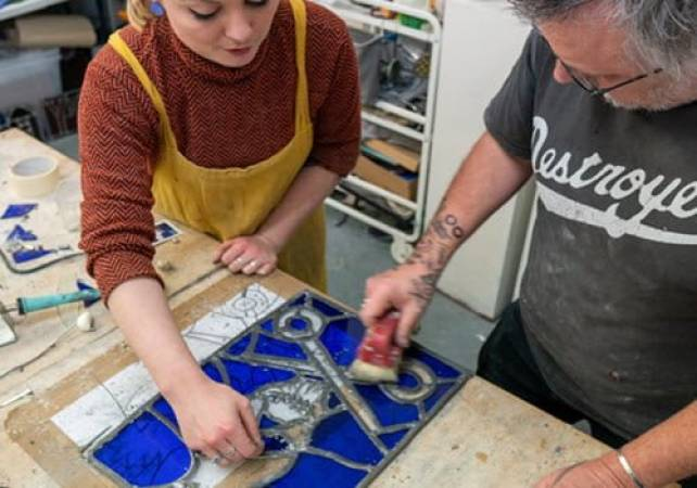 Stained glass workshop for beginners in Brixton, London Image 5