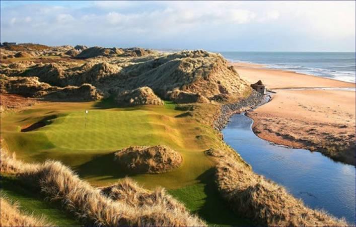 Golf coaching at Trump International Scotland Gift Experience Image 6