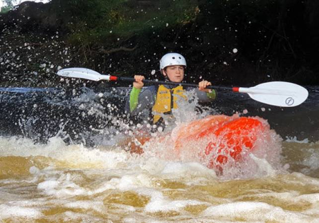 White Water Kayakingin North Wales Half Day on the River Dee Image 4