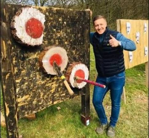 Axe and Knife Throwing in Nottingham For 12 Years+ Image 2