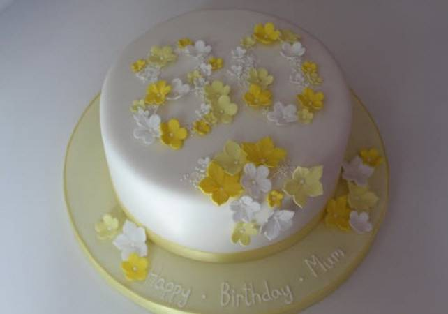 Cake Decorating Classes For Beginners Essex for 14 Years+ Image 4