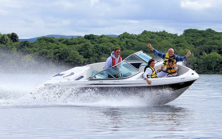 luxury speedboat tour on Loch Lomond in Scotland Image 1