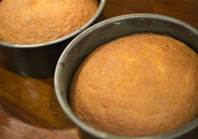 3 & 1/2 Hours Half Day Cake Baking Class London Image 3