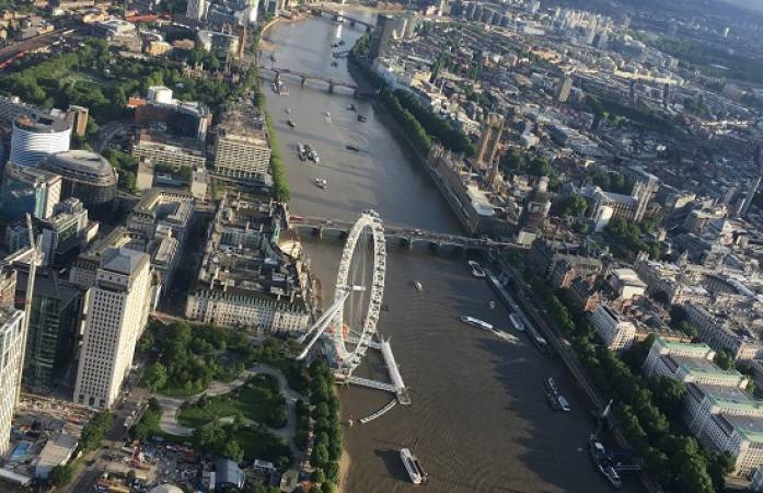30 min Sightseeing Helicopter Tour London - LGE Image 4