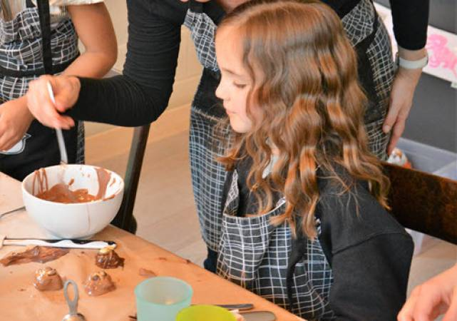 Childrens Chocolate Making  - Buckinghamshire Image 3