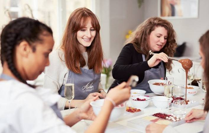 Chocolate Making Experience for Couples - Nottingham - LGE Image 5