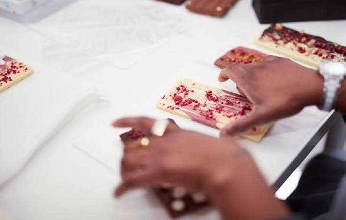 Chocolate Making Experience for Couples - Nottingham - LGE Image 4