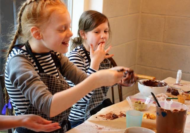 Childrens Chocolate Making  - Buckinghamshire Image 2