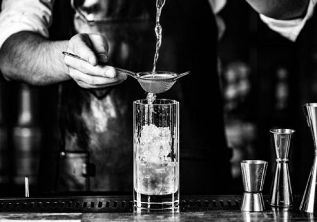 Cocktail Masterclasses For Groups Beds | Herts | Bucks Image 2