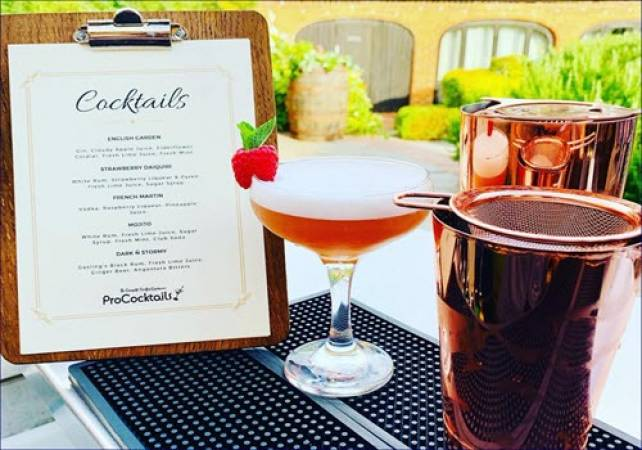 Cocktail Masterclasses For Groups Beds | Herts | Bucks Image 1