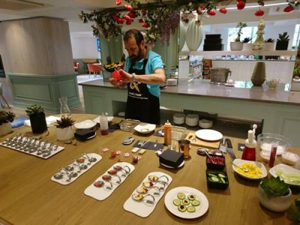 Cooking With Science Workshop learn molecular gastronomy in London Image 1