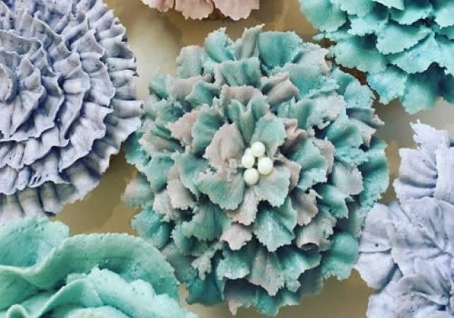 Professional Cupcake Decorating Class Pall Mall London Image 6