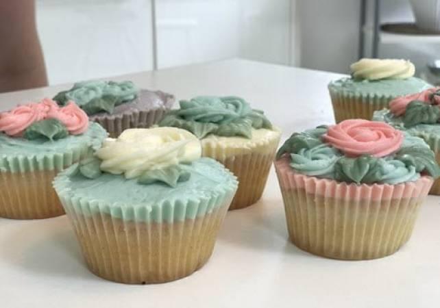 Professional Cupcake Decorating Class Pall Mall London Image 4